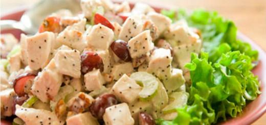 ქათმის სალათი ყურძნით