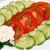 პომიდორისა და კიტრის სალათი