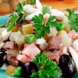 ხორცის სალათი ზეთისხილით